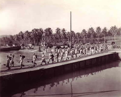 Marines leaving Pavuvu